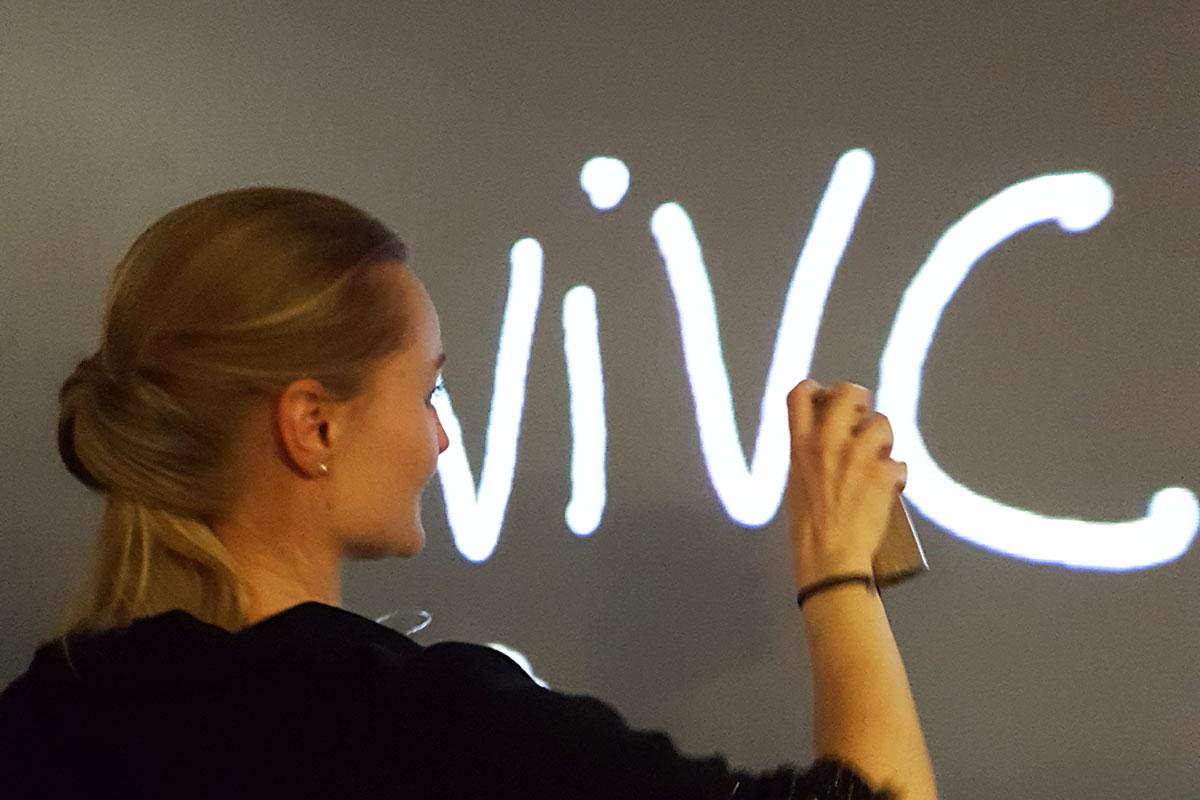 Organisation d'une animation de soirée soirée artistique pour entreprise : Graff numérique - image 2