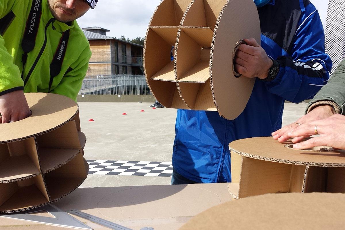 Organisation d'un team building développement durable pour entreprise : Team Building construction carton - image 3