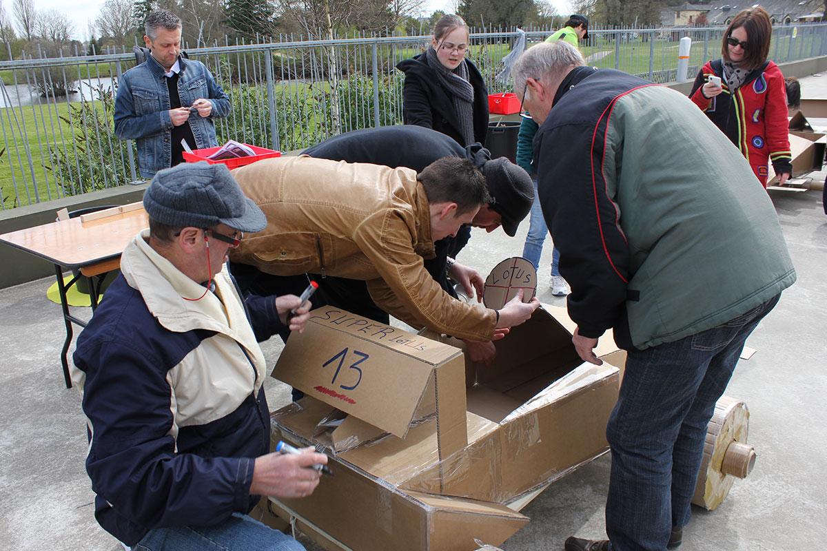 Organisation d'un team building développement durable pour entreprise : Team Building construction carton - image 6