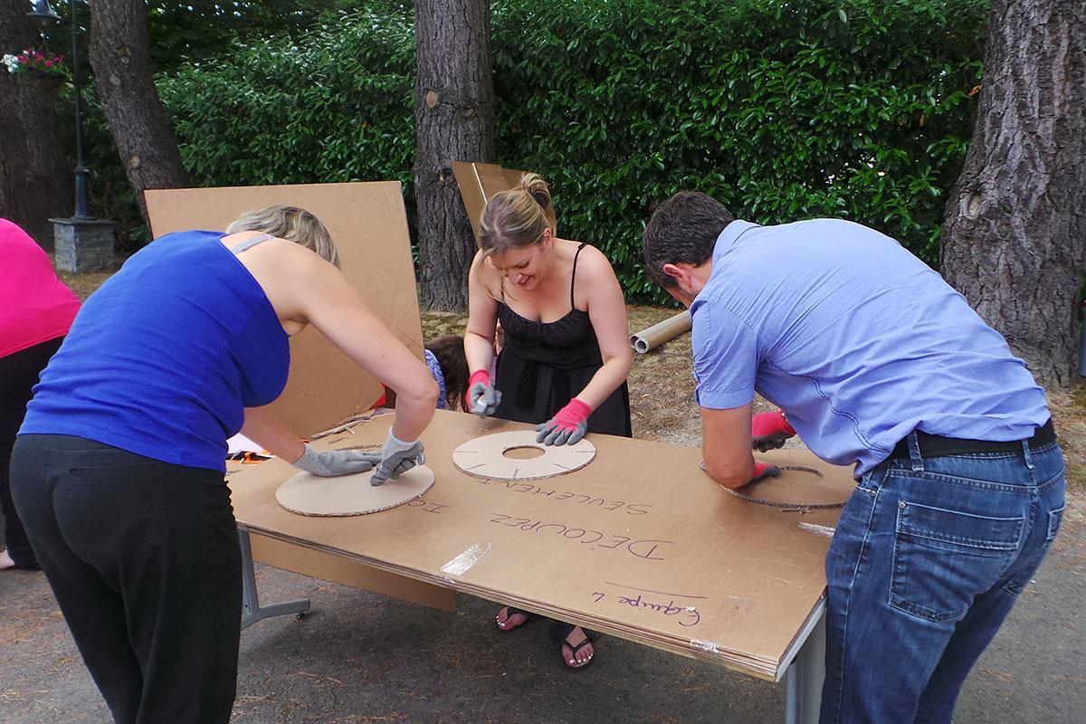 Organisation d'un team building développement durable pour entreprise : Team Building construction carton - image 9