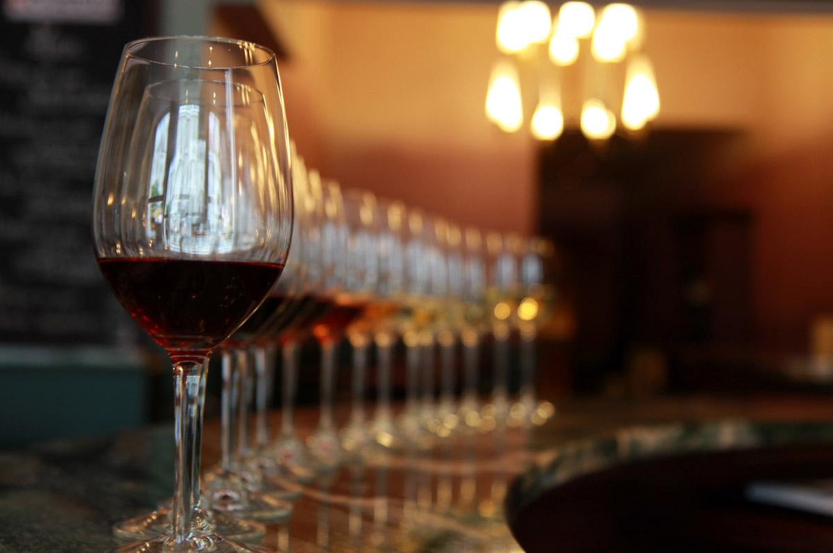Organisation d'une animation de soirée soirée gastronomie pour entreprise : Quiz vins et gastronomie - image 2